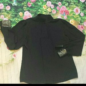 Vince Camuto size S sheer blouse VERY elegant